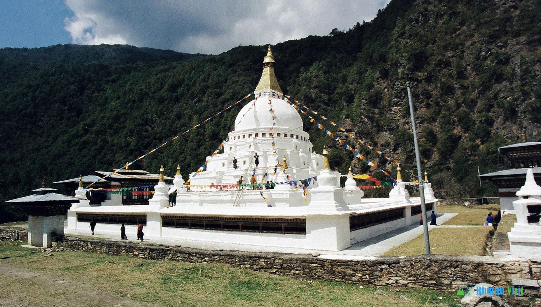 Chorten Kora in Trashiyangtse